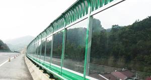 山东高速公路耐力板隔音屏