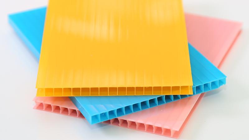 PC板材、FRP采光板、亚克力、PVC等的优劣势分析