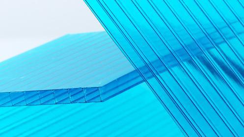 欣海阳光板为您浅析车棚雨棚选择PC阳光板还是耐力板