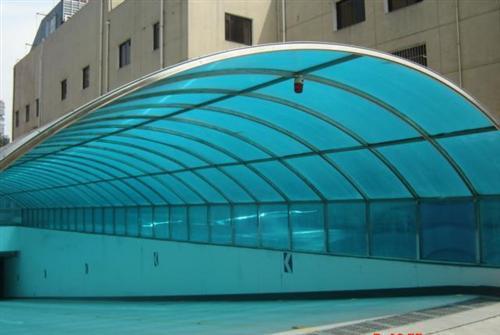 阳光板雨棚优势