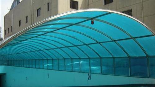 搭建阳光板雨棚的优势