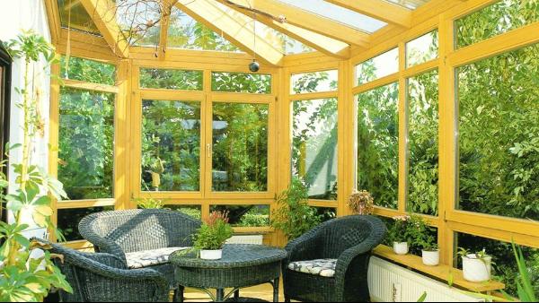 做屋顶阳光板与有机玻璃的优缺点